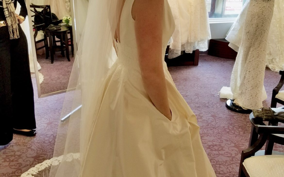 Bride Goes Viral After Getting Dresses with Pockets for Her and Bridesmaids